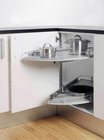 Выкатные полки для кухни